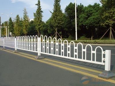 圆钢式护栏